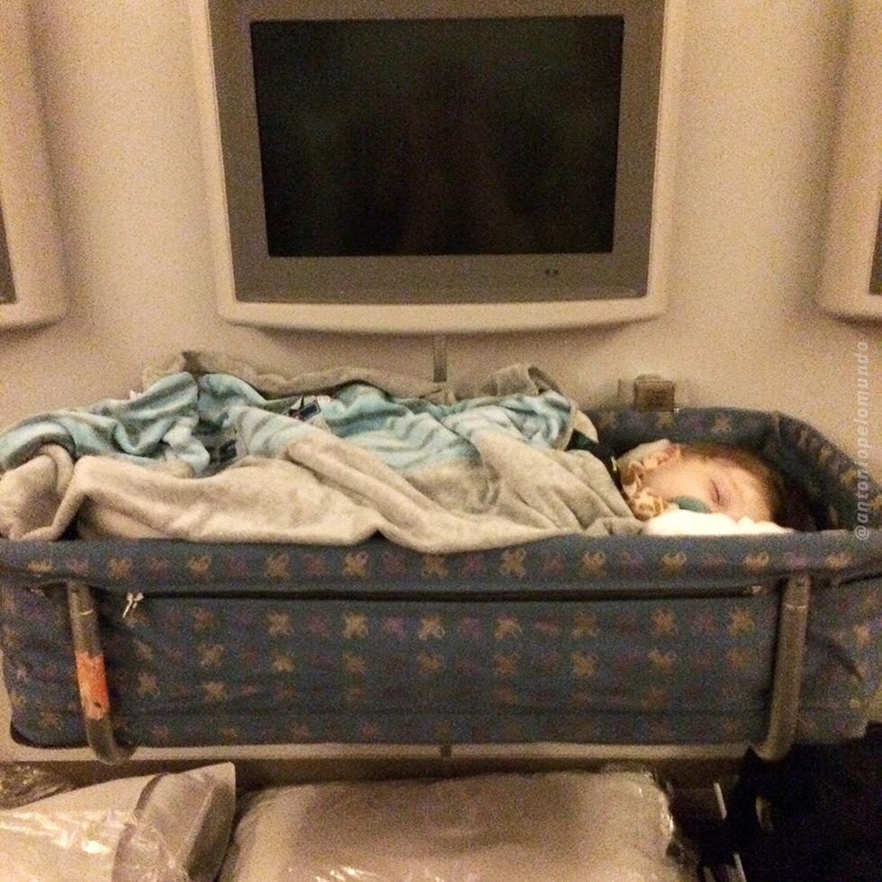 Berço avião para bebê