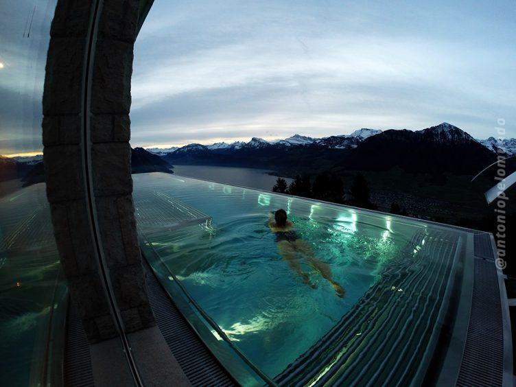 Piscina aquecida - Villa Honegg - Suíça