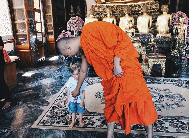 Monges no templo Wat Pho