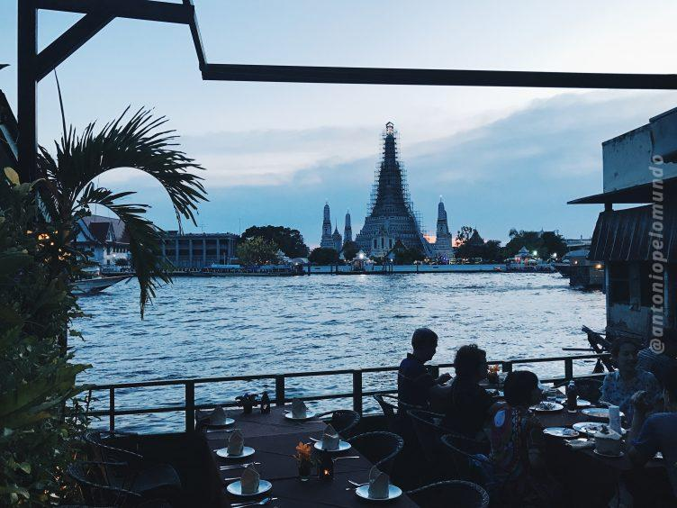 The Deck, restaurante em Bangkok
