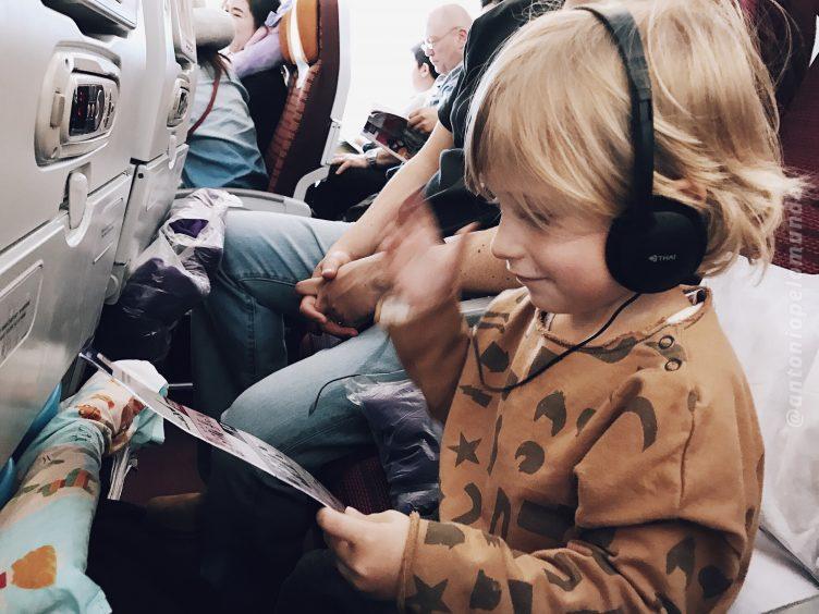 Voo com criança na Thai Airways