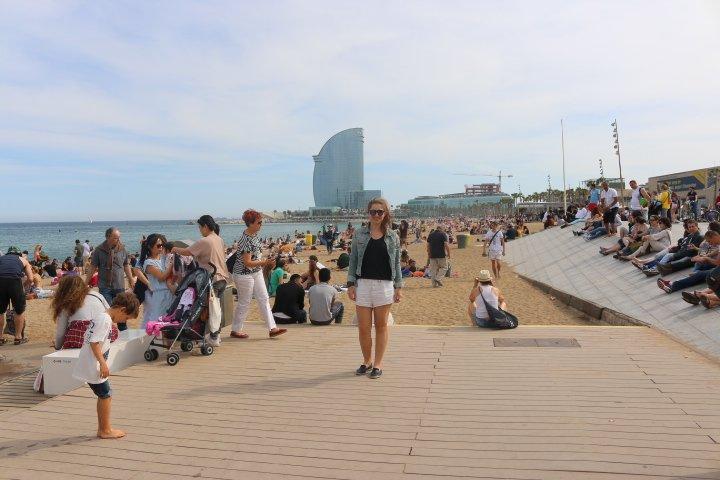 Praia de Barceloneta a em Barcelona