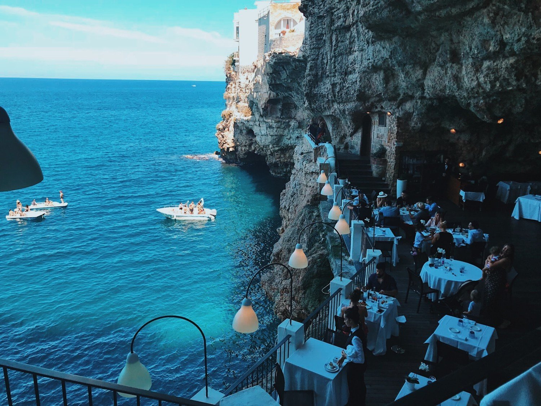 Grotta Palazzese - o restaurante dentro da gruta