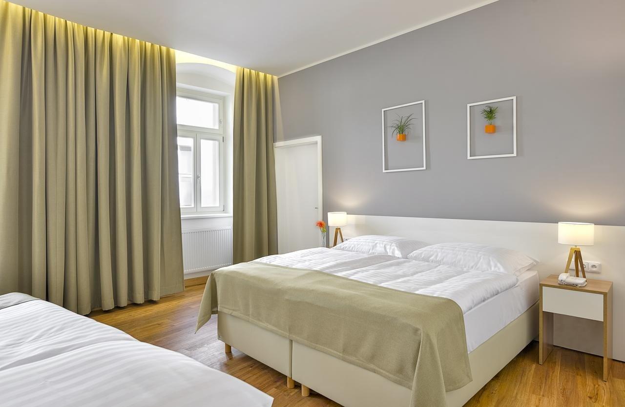 Quarto do hotel Garden Court em Praga
