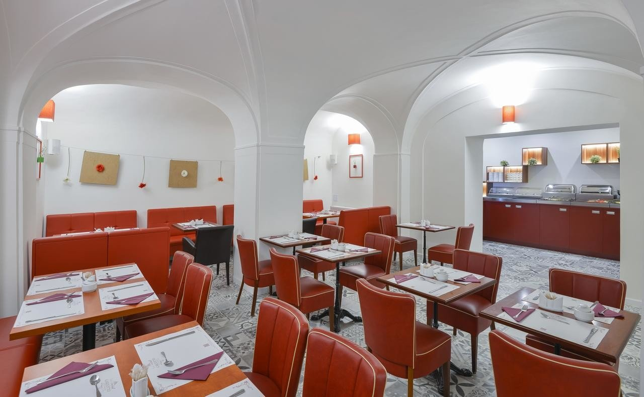Restaurante do hotel Garden Court em Praga